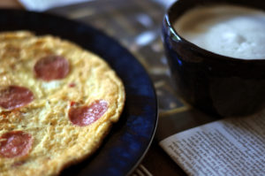 Omelet and grits